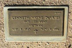 Kenneth Wayne Devries