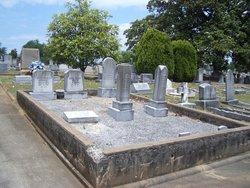 Lonie <I>Bishop</I> Graves