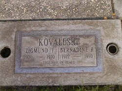 Bernadine R Kovaleski