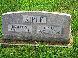 Robert S Kiple