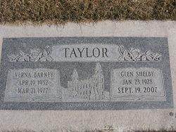 Verna LaRae <I>Barney</I> Taylor