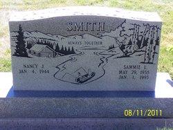 Sammie L Smith