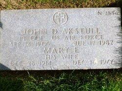 Mary E Akstull