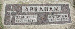 "Antonia Bertha ""Tonie"" <I>Goetsch</I> Abraham"