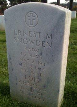 "Lois Elizabeth ""LO"" <I>Arnold</I> Snowden"