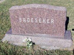 Ruth D <I>Dickey</I> Broeseker