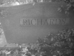 Una L <I>Adams</I> Richards