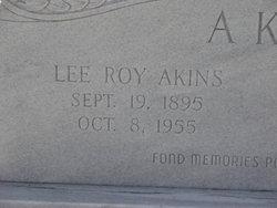 Lee Roy Akins
