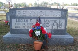 Lucian E Reynolds