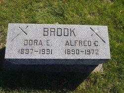"Dorothy Elizabeth ""Dora"" <I>Hegeman</I> Brook"