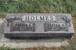 Freda S Holmes