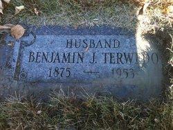 Benjamin J Terwedo