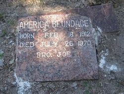 America <I>Moten</I> Beundage