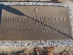 Henry J Bruxvoort