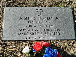 """Margaret """"Evelyn"""" <I>Daniel</I> Bradley"""