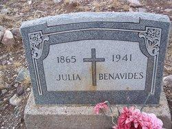 Julia Benavides