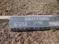 Robert E Farris
