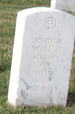 Pvt John W Mills, Jr