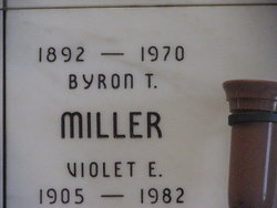 Violet Eleanor <I>Williams</I> Miller