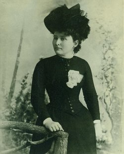 Mary L Rahilly