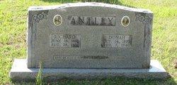 Mrs L. Donah <I>Buckalew</I> Antley