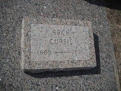 Arch Curtis