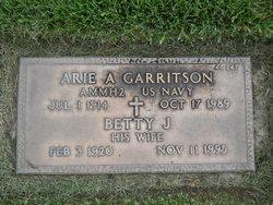 Betty J <I>Loffswold</I> Garritson