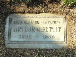 Arthur M Pettit