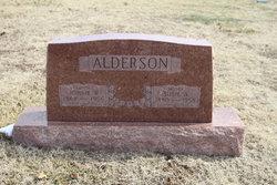 "Susie ""Sissy"" <I>Wade</I> Alderson"