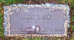 Janet L <I>Frietch</I> Benz