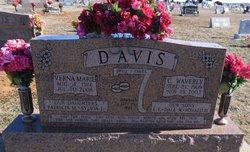 Verna Marie <I>Ommen</I> Davis