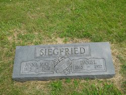 """Anna May """"Annie"""" <I>Privia</I> Siegfried"""