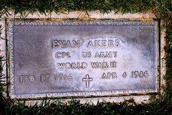 Evan Akers