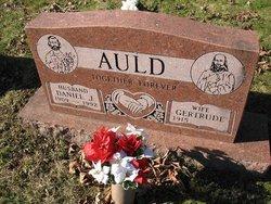 Daniel J Auld