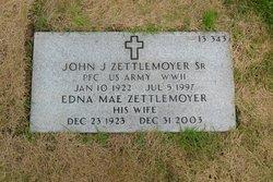 Edna Mae <I>Frantz</I> Zettlemoyer