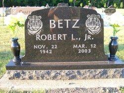Robert L. Betz, Jr