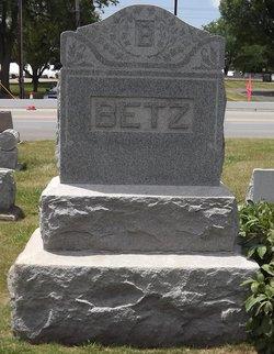 Lela M Betz