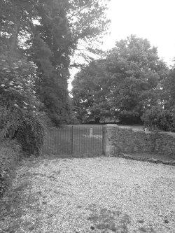 Fewcott All Saints Churchyard