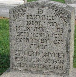 Esther D Snyder