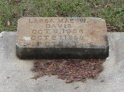 Larsa Mae <I>W</I> Davis