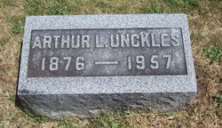 Arthur L Unckles