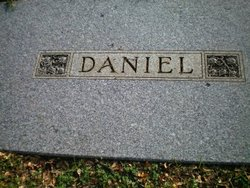 Mabel <I>Daniel</I> Leonard