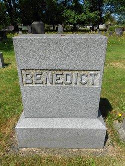 "Betty Viola ""Bettie"" <I>Fife</I> Benedict"