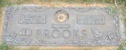 Aline L Brooks