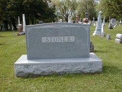 Bonnie Lou Stoner