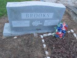 Kimberly Elizabeth <I>Reed</I> Brooks