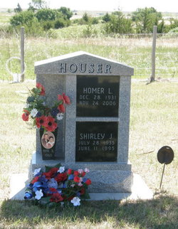 Shirley J <I>Mills</I> Houser