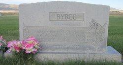 Lareta <I>Bennett</I> Bybee
