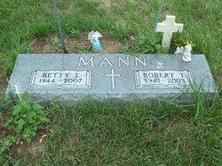 Robert T. Mann