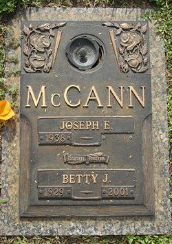 Betty Jean <I>Bragdon</I> McCann
